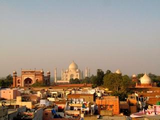 Inde - Agra : le Taj Mahal vu des toits