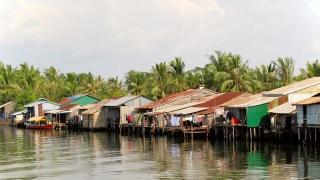 Cambodge - Kampot : village sur pilotis