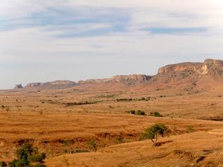 Madagascar - Isalo : vue sur l'Isalo