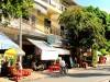 Cambodge - Phnom Penh : scène de rue