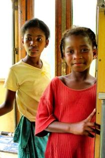 Madagascar - train Manakara : rencontre autour d'un appareil photos